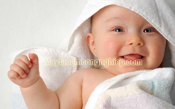 Độ ẩm lý tưởng cho trẻ sơ sinh, thiết bị cân bằng độ ẩm hữu hiệu nhất