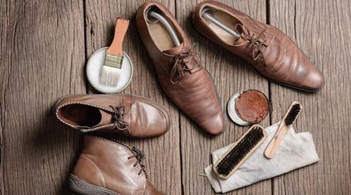 Cách xử lý giày bị mốc