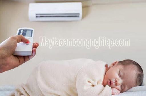 nhiệt độ phòng cho trẻ sơ sinh mua hè