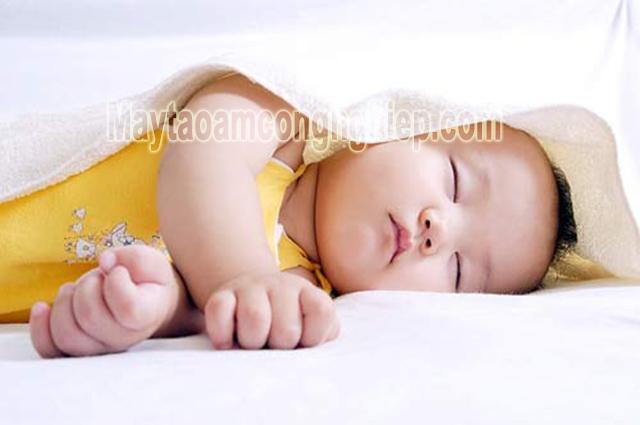 Nhiệt độ phòng cho trẻ sơ sinh bao nhiêu là tốt?