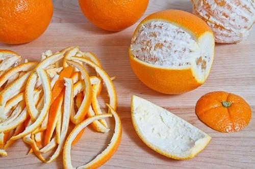 khử mùi ẩm mốc bằng vỏ cam, quýt hay bưởi khô