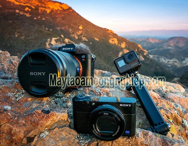 Chiếc máy ảnh cần được bảo vệ ở độ ẩm tiêu chuẩn