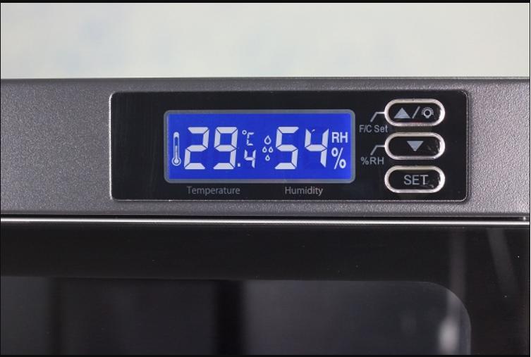 cài đặt độ ẩm của tủ trong khoảng từ 45% – 55%