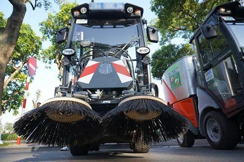 các xe quét rác đường phố thường sử dụng các sản phẩm chổi to bản